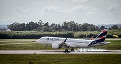 PR-XBC - Latam Airbus A320. (NetoNogueira) Tags: neo a320neo a320 aviation airbus prxbc latam spotter airplane plane