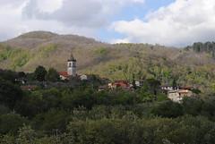 Vignola (Elizabeth Almlie) Tags: italy toscana tuscany vignola village hills trees church