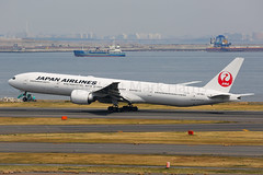 Japan Airlines Boeing 777-346/ER JA736J (Mark Harris photography) Tags: spotting hnd canon 5d plane boeing aviation