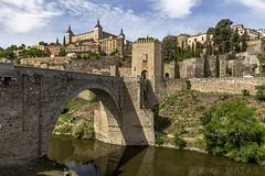 Puente de San Martín, Toledo (kike.matas) Tags: canon canoneos6d canonef1635f28liiusm kikematas puentedesanmartín riotajo toledo castillalamancha puente rio ciudad alcázar torre agua paisaje nubes casas lightroom6