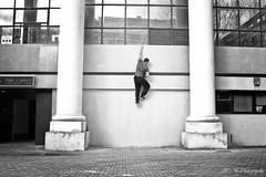 Descente (arrif-mehdi) Tags: sport meh photographie parkour mouvement mur monter esclader escalade deplacement motion humain murs sauter grimpe grimper jump environnement architecture urbain ville citadin vision eyes corps sportif