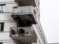 20190516-090 (sulamith.sallmann) Tags: architektur wohnen balkon bauwerk berlin brand brandspuren deutschland europa feuer gebäude gentrifizierung haus mitte neubau uferstrase wedding sulamithsallmann