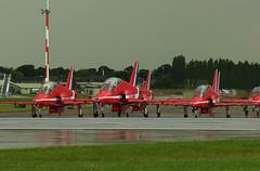 A splash of red (crusader752) Tags: raf royalairforce redarrows rafredarrows baesystemshawkt1 reds riat 2008