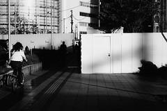 DSC04162B Urban space (soyokazeojisan) Tags: japan osaka city street light shadow people bw blackandwhite monochrome digital sony rx100ⅵ 2019