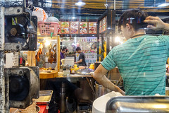 at a food court (kuuan) Tags: sonyrx100iii bangkok foodmall market street foodstalls reflection chicken food foodcourt hainanchicken chickenrice