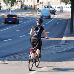 2019 Bike 180: Day 109, May 22 (olmofin) Tags: 2019bike180 finlan bicycle commmuter cyclist street mannerheimintie katu pyöräilijä polkupyörä mzuiko 75mm f18