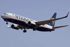 EI-FIW  737-8AS Ryanair   Reus 05-07-16 (Antonio Doblado) Tags: eifiw reus boeing b737 737 ryanair aviación aviation aircraft airplane airlioner