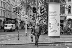 berlin ... (andrealinss) Tags: berlin bw blackandwhite berlinstreet berlinstreets kreuzberg kreuzberg36 kreuzbergstreet andrealinss 35mm schwarzweiss street streetphotography streetfotografie