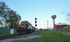 WAS Williamston (GLC 392) Tags: williamston water tower we was search light signal signals feed seed elevator emd sd402 sd403 8400 4057 railroad railway train local sky d708 csx csxt