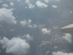 Flight above the clouds from Barcelona back to Birmingham (ell brown) Tags: barcelona catalonia catalunya spain españa birminghamairport bhx birmingham ryanair barcelona–elpratjoseptarradellasairport barcelonaairport barcelonaelpratairport bcn boeing737800 plane aena aeropuertodebarcelona clouds