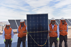 Foto27 (Intendente de Tarapacá) Tags: intendente quezada y ministra de energía participaron en la instalación los 1ros paneles fotovoltaicos granja solar 22052019