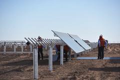Foto9 (Intendente de Tarapacá) Tags: intendente quezada y ministra de energía participaron en la instalación los 1ros paneles fotovoltaicos granja solar 22052019