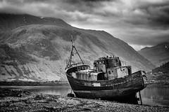 Boat Wreck (Mister Oy) Tags: scotland boatwreck fortwilliam mono monochrome blackandwhite bw lochlinnhe corpach shore fujixpro2 50140mm