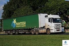 Mantissa Transportes (RV Photos) Tags: actros2546 mercedesbenz mercedesbenzactros trucks truck carretas baú br116 rodoviapresidentedutra mantissa