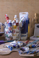 Bodegon_pintura (Sheyla Grajales) Tags: paint colors bodegon pinceles acrílico painting art expression