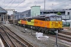 Log Rollin' Robin (JohnGreyTurner) Tags: br rail uk railway train transport engine locomotive preston lancashire colas 56 class56 grid chirk kronospan logs
