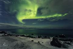 (Antoineos G.) Tags: norvège aurore boréale aurora borealis norway lofoten sea ocean mer rocks nuages cloud snow neige