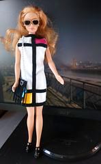 Barbie Cool Blue Corduroy 1999 (Colombanette) Tags: barbie doll nantes corduroy cool blue lunettes graphique blonde mackie mattel