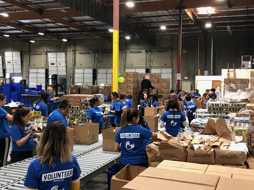 """LA Footwear Cares volunteers at the LA Regional Food Bank • <a style=""""font-size:0.8em;"""" href=""""http://www.flickr.com/photos/45709694@N06/47562930572/"""" target=""""_blank"""">View on Flickr</a>"""