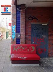 - (txmx 2) Tags: hamburg nettelnburg bench gedlautomat ec atm cashmachine graffiti
