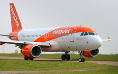 Easyjet G-EZII Airbus A319-111 at Durham Tees Valley Airport MME England UK Crew Training (thelastvintage) Tags: easyjet gezii airbus a319111 durham tees valley airport mme england uk crew training first flight date 28042005 25052005 spiritofeasyjet2018 teamtegel durhamteesvalleyairport teessideairport