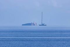 IMG_0705 Na Foradada, Mallorca (Fernando Sa Rapita) Tags: baleares mallorca sarapita cabrera naforadada archipielago canon canoneos eos200d tamron tamron150600 isla island barco boat teleobjetivo sea mar blue azul