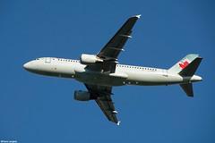 pl02juin18aca32026 (lanpie012000) Tags: montreal montréal yul cyul aircanada airbusa320211 cfnvv fin416