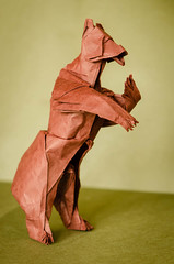 Grizzly Bear - 2 (frasermacmillen) Tags: bear grizzlybear origami quentintrollip biotope