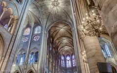Notre-Dame (leloops.berlin) Tags: paris notre dame personen architektur fenster raum decke wand kirche europe europa cathedral kathedrale gothic gotik frankreich france querhaus kirchenschiff gewölbe bogen