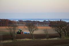 Mårten_Svensson_2U9A2738 (Bad-Duck) Tags: kullen vår claas krapperup kultivator lemken traktor årstid