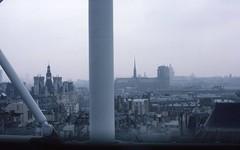 Paris 1982 (triebensee) Tags: nikon fm nikkor 50mm f14 epsonv700 paris kodachrome 1982