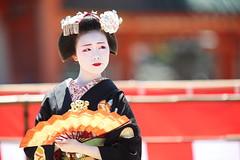 Fascinating moment (Teruhide Tomori) Tags: kyoto japon japan heianjingushrine maiko performance tradition festival kimono stage 舞妓 京都 伝統 日本 着物 舞台 lady 踊り dance portrait event 平安神宮 happyplanet asiafavorites