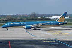 Boeing 787-9  VN-A868 — Vietnam Airlines (Wajdys) Tags: b789 boeing 7879 vna868 vietnamairlines vietnam airlines airliners vaclavhavelairportprague ruzyně ruzyne b7879 2engines jet travel transport pragueairportruzyne pragueairport airportprague spotter spotters planespotting prglkpr letištěpraha eu europe cn39288 series9 skyteamairlinealliance skyteam airline alliance flight airfleets taxiing departures arrivals photo photography photographer letisko letiště airport flughafen praha prague praga prag praguecz czechia czech avión aviones plane planes boeing787 airplane airplanes aircraft aircrafts dreamliner boeing787dreamliner followme invitation amazing flickr gear wheel