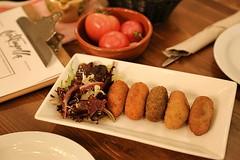 Degustación Croquetas (brujulea) Tags: brujulea restaurantes bares barcelona cal trapella cuina mercat degustacion croquetas