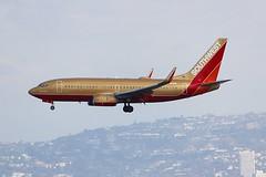 B737 N711HK Los Angeles 22.03.19 (jonf45 - 5 million views -Thank you) Tags: airliner civil aircraft jet plane flight aviation lax los angeles international airport klax southwest airlines retro liveried boeing 7377h4w n711hk b737 737