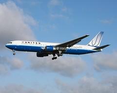 United Airlines                                  Boeing 767                               N654UA (Flame1958) Tags: united unitedb767 unitedairlines n654ua ual ua boeing767 boeing b767 767 egll lhe londonheathrow heathrowairport 171209 1209 2009 0689