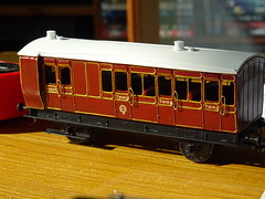 DSC00028 (BluebellModelRail) Tags: lbscr londonbrightonsouthcoastrailway oo 4mm roxeymouldings brass bluebellrailway etchedkit solder 949 brakethird mahogany carriage 4wheeler southernrailway