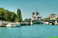 Notre Dame, julio 2006. (estebanjvr) Tags: cathedral catedral france francia bateaumouche paris sena seine notredame