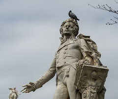 Mozart and Avian Friend (Cocoabiscuit) Tags: cocoabiscuit vienna austria ringstrasse olympus omdem5 wien burggarten bundesgarten gardens