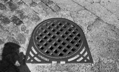 Hudson Avenue (neilsonabeel) Tags: leicam6 leica film analogue zeiss manhole street blackandwhite brooklyn newyorkcity