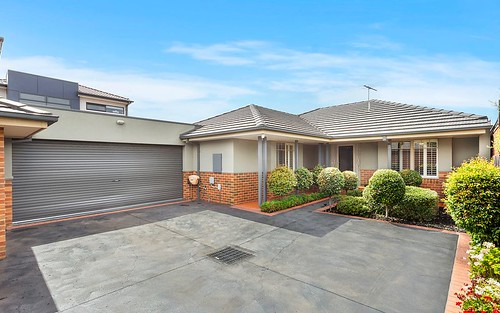 66a Bowes Av, Airport West VIC 3042