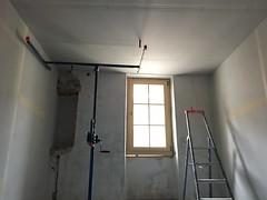 Ceiling in bedroom