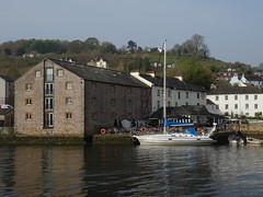 Cloudless, stainless (Phil Gayton) Tags: water boat building pub clear sky lifebuoy steam packet inn river dart totnes devon uk