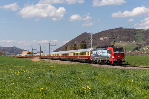SBB Cargo International Br 193 471 mit AKE-Rheingold bei Thurnen