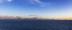 Sunset in Mauritius / Закат на Маврикии (dmilokt) Tags: пейзаж landscape гора небо облако mountain sky cloud море океан sea ocean dmilokt закат рассет солнце sun sunset sunrise