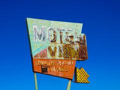 Motel Villa (2 of 2) (jimsawthat) Tags: smalltown midlandcity arizona motel vintagemotel rust metalsign vintagesign neon arrow