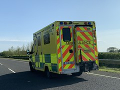 National Ambulance Service - Mercedes Sprinter Ambulance - M18 Southbound - Shannon, Ireland (firehouse.ie) Tags: healthservicesexecutive vehicules vehicule vehicles vehicle countyclare motorway m18 nationalambulanceservice mercedessprinter sprinter mercedes benz roi ireland hse nas emergency ems krankenwagen ambulansa ambulanz ambulans ambulanza ambulancia ambulances ambulance 171g1420