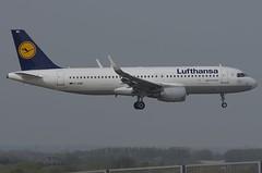 D-AIWB / Airbus A320-214(S) / 7699 / Lufthansa (A.J. Carroll (Thanks for 1 million views!)) Tags: daiwb airbus a320214 a320200 a320 320 7699 cfm565b4p lufthansa staralliance 3c66e2 london heathrow lhr egll 09l