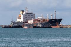 Fortaleza (alcirgomesadv) Tags: canon t6 eos rebel night sea beach fortaleza ceará ship tanker vessel shipping brasil brazil