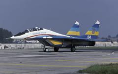 MIG-29UB 104 UKR FALCONS EGVA 210797 CLOFTING P (Chris Lofting) Tags: mig29 mig29ub fulcrum 104 riat fairford ukranianfalcons
